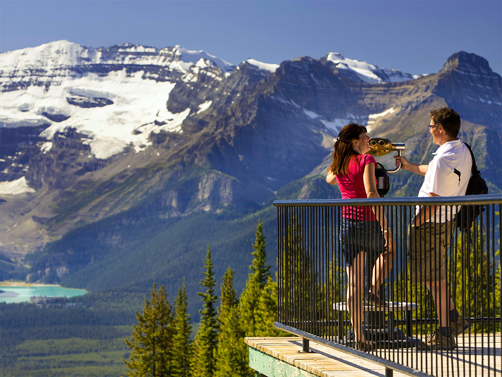 Make your 2018 Canadian vacation extra special with free travel credits.
