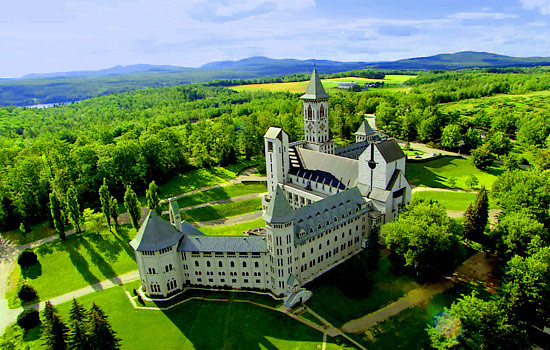 A large castle set amongst the French Canadian countryside