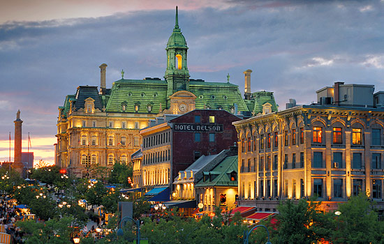Evening view of the hotel Frontenac in Quebec City